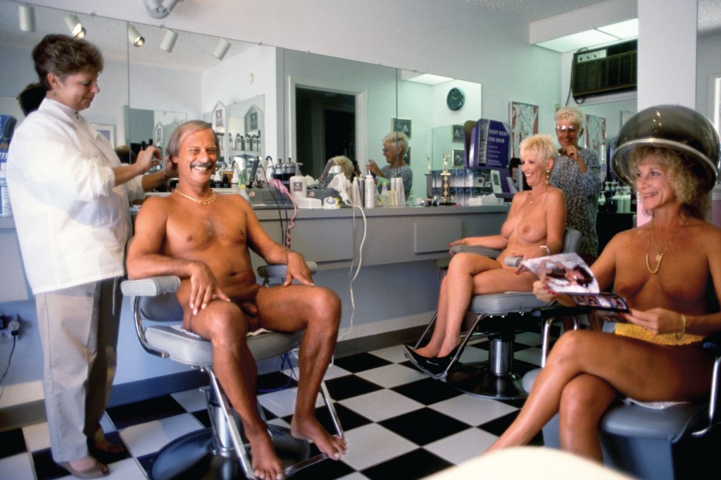 Nude salon